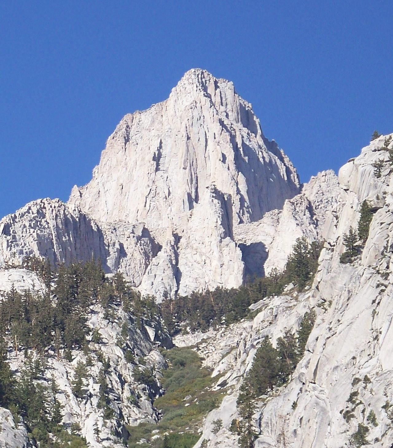 1280px-East_Face_Mount_Whitney